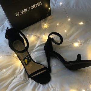 Fashion Nova High Heels in Black
